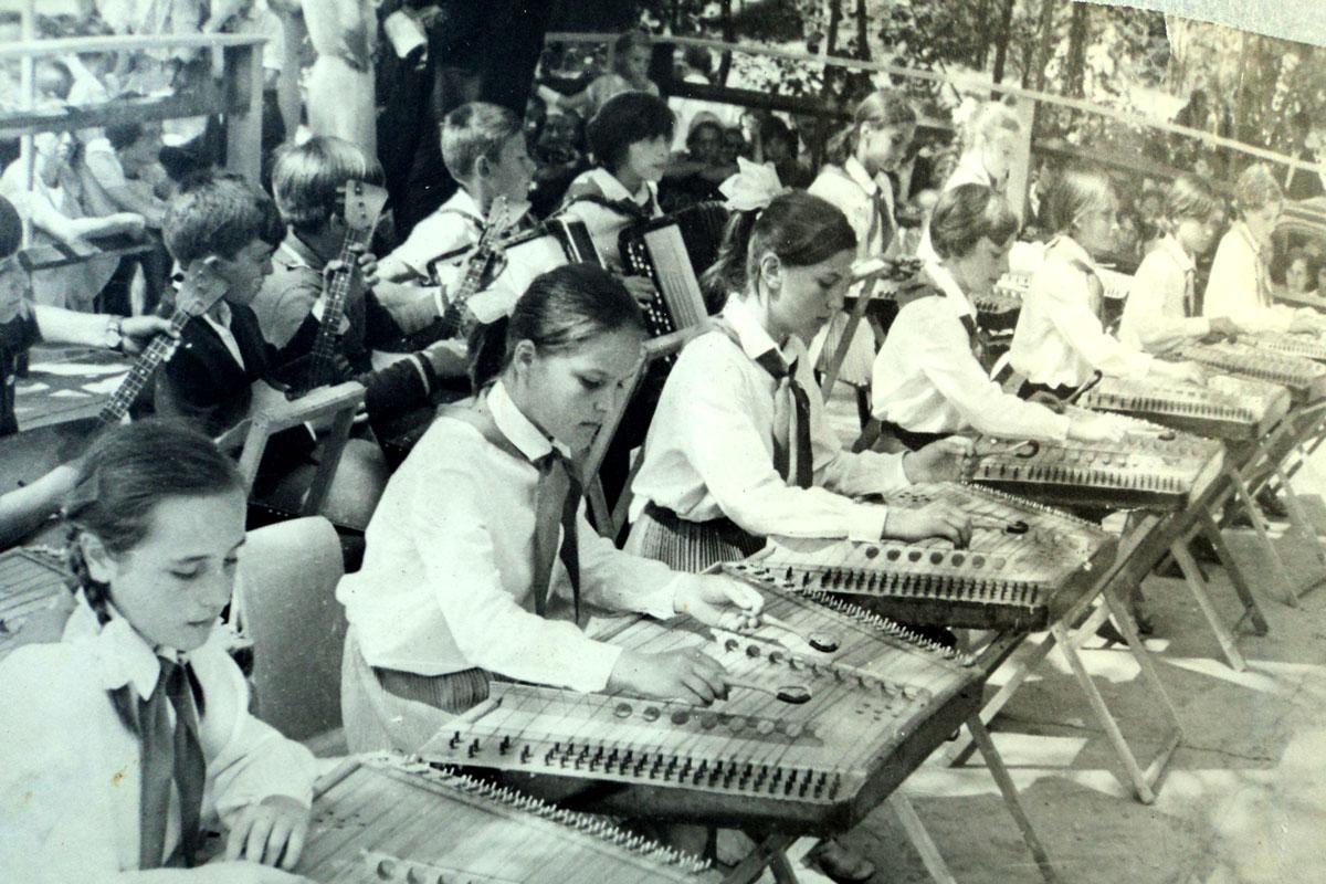 Ансамбль народных инструментов СШ №2 г Сморгони 1966 г