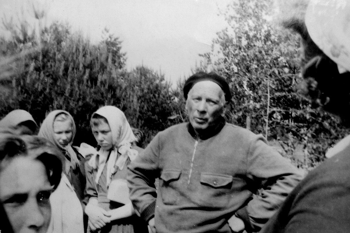 Встреча в походе с писателем М.Лыньковым. 1964 г.